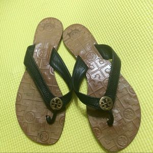 Tory Burch Thora's black leather strap sandals